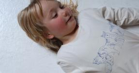 milch Fairtrade Shirts von Nina Lorkovic für Große und Kleine